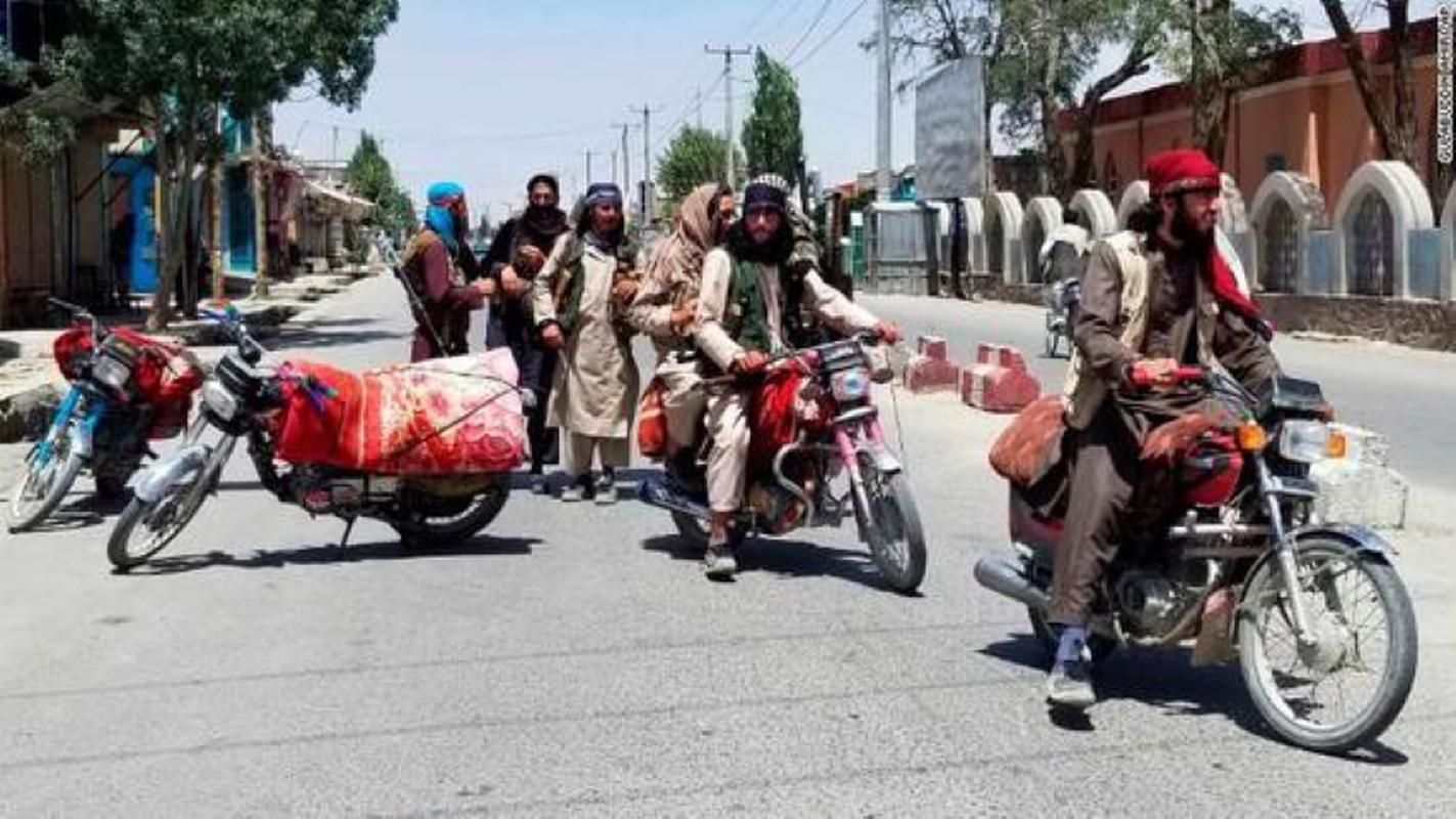 Vu linh My doi thuoc la lay xe ban tai gan sung may Nga de bao ve san bay Kabul