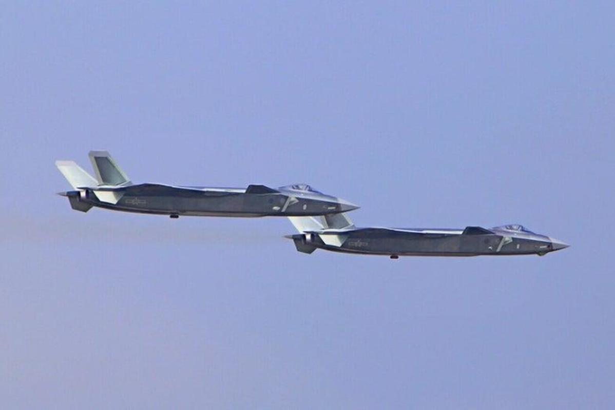 Tiem kich J-20B nang cap cua Trung Quoc lo diem yeu chi tu-Hinh-12