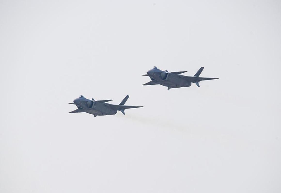 Tiem kich J-20B nang cap cua Trung Quoc lo diem yeu chi tu-Hinh-13