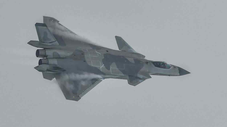 Tiem kich J-20B nang cap cua Trung Quoc lo diem yeu chi tu-Hinh-2