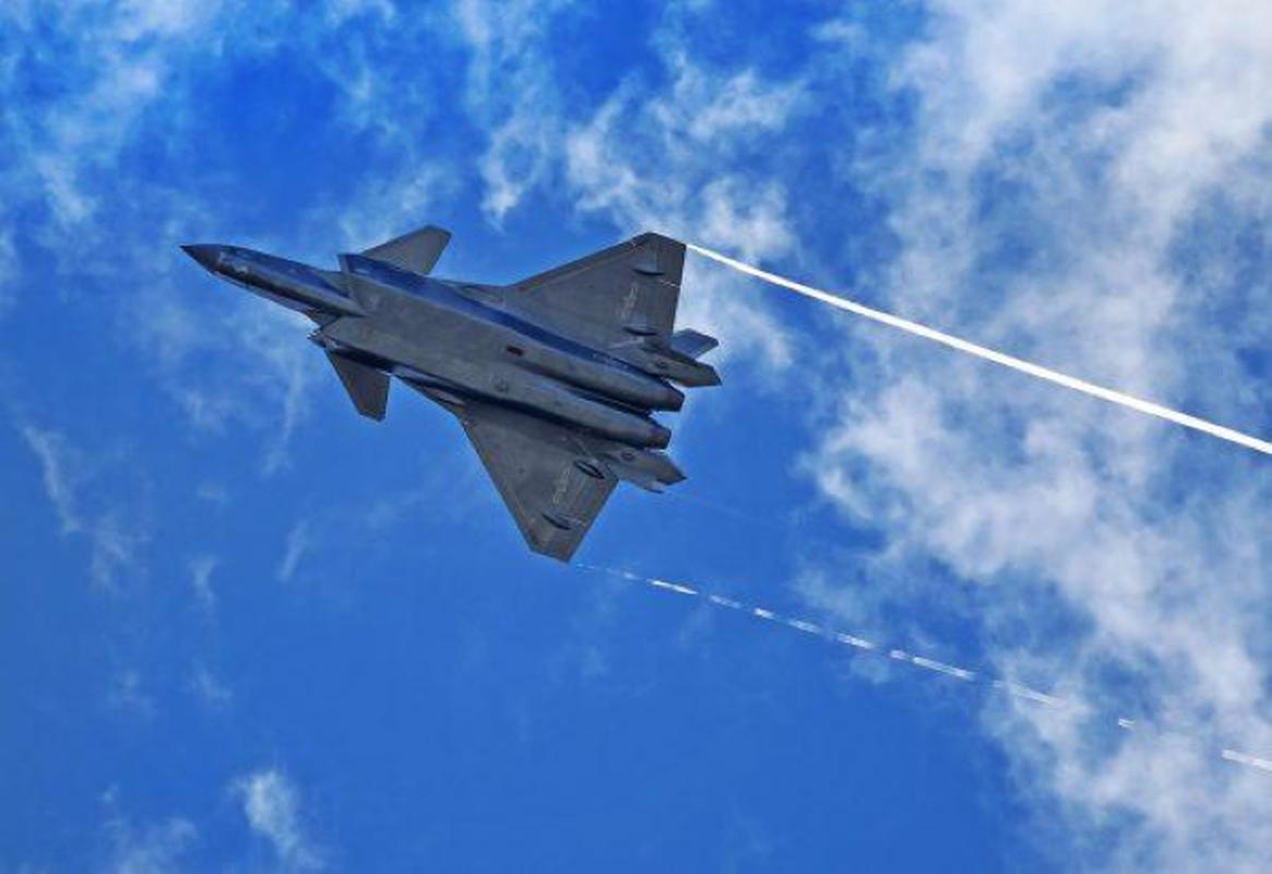 Tiem kich J-20B nang cap cua Trung Quoc lo diem yeu chi tu-Hinh-4