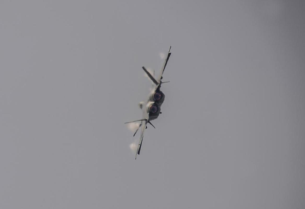 Tiem kich J-20B nang cap cua Trung Quoc lo diem yeu chi tu-Hinh-8