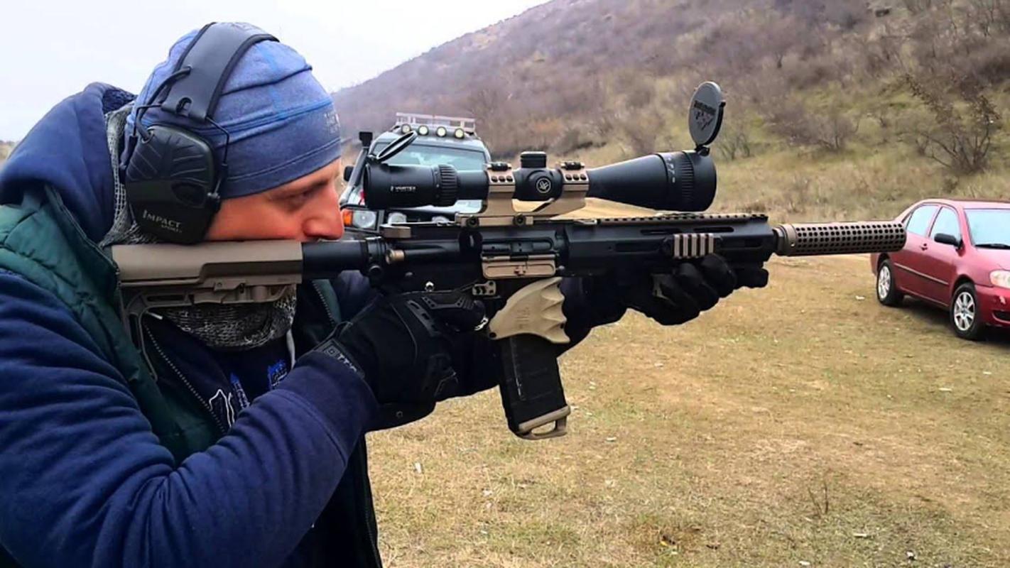 Ve binh Quoc gia Ukraine thay the sung AK bang sung AR-15 My-Hinh-15