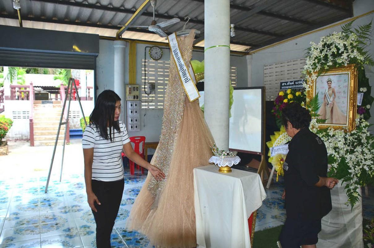 Le tang khong co mat cha me cua hoa hau Thai Lan 19 tuoi-Hinh-3