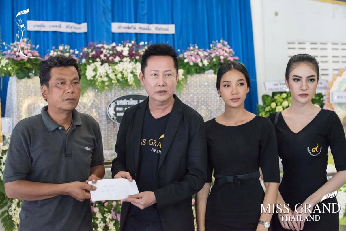 Le tang khong co mat cha me cua hoa hau Thai Lan 19 tuoi-Hinh-7