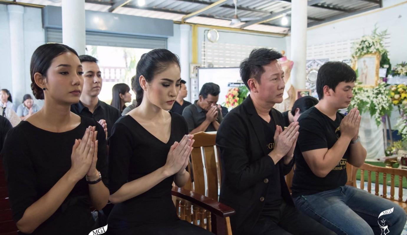Le tang khong co mat cha me cua hoa hau Thai Lan 19 tuoi-Hinh-8