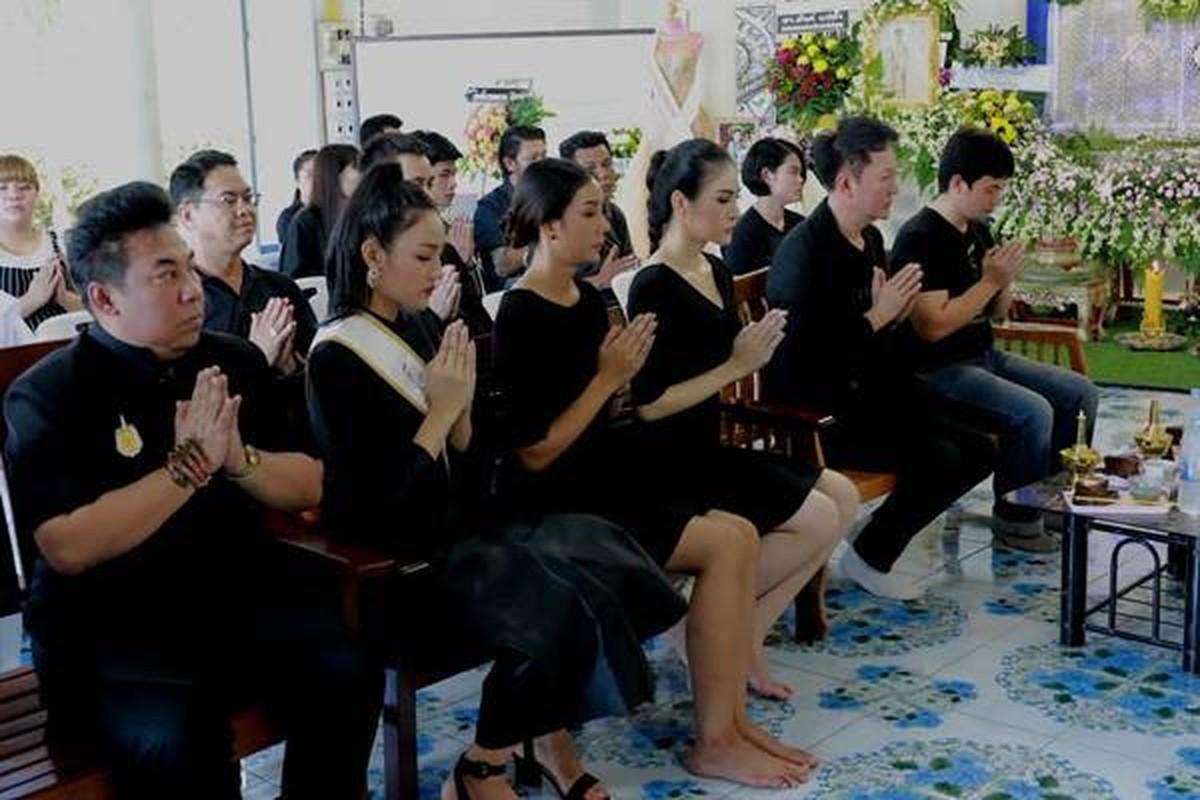 Le tang khong co mat cha me cua hoa hau Thai Lan 19 tuoi-Hinh-9