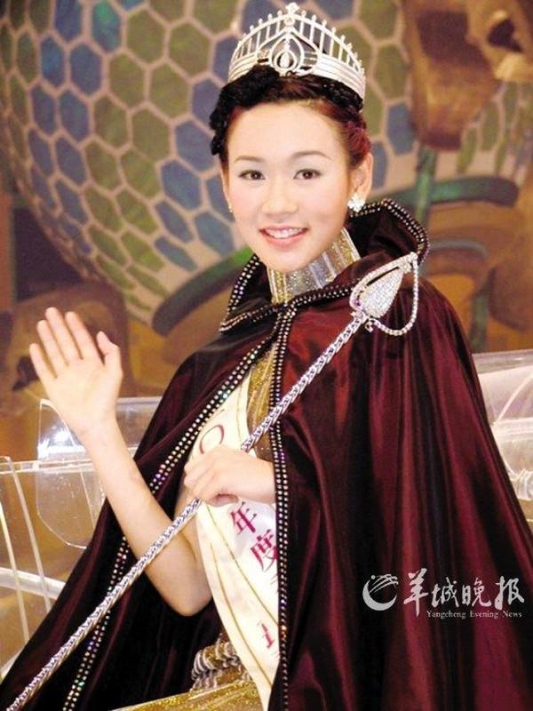 """4 hoa hau Hong Kong """"le bong"""" vi be boi tinh ai, ham tien-Hinh-10"""