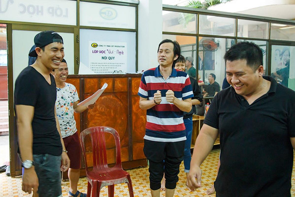 Kieu Minh Tuan tu tay dut cho Cat Phuong an khi nguoi yeu bi benh-Hinh-5
