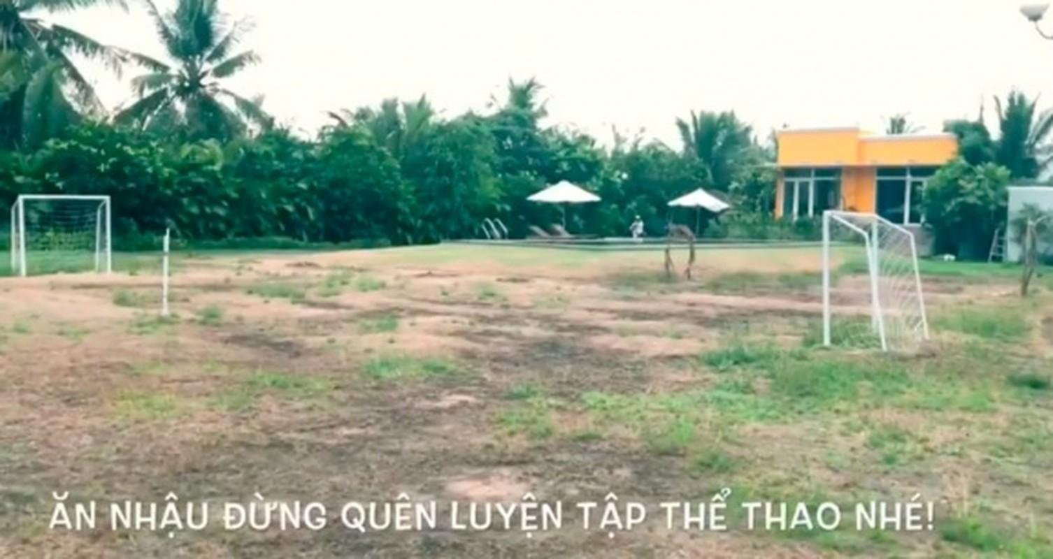 Chiem nguong biet thu rong thang canh co bay cua ban trai Hoa Minzy-Hinh-4