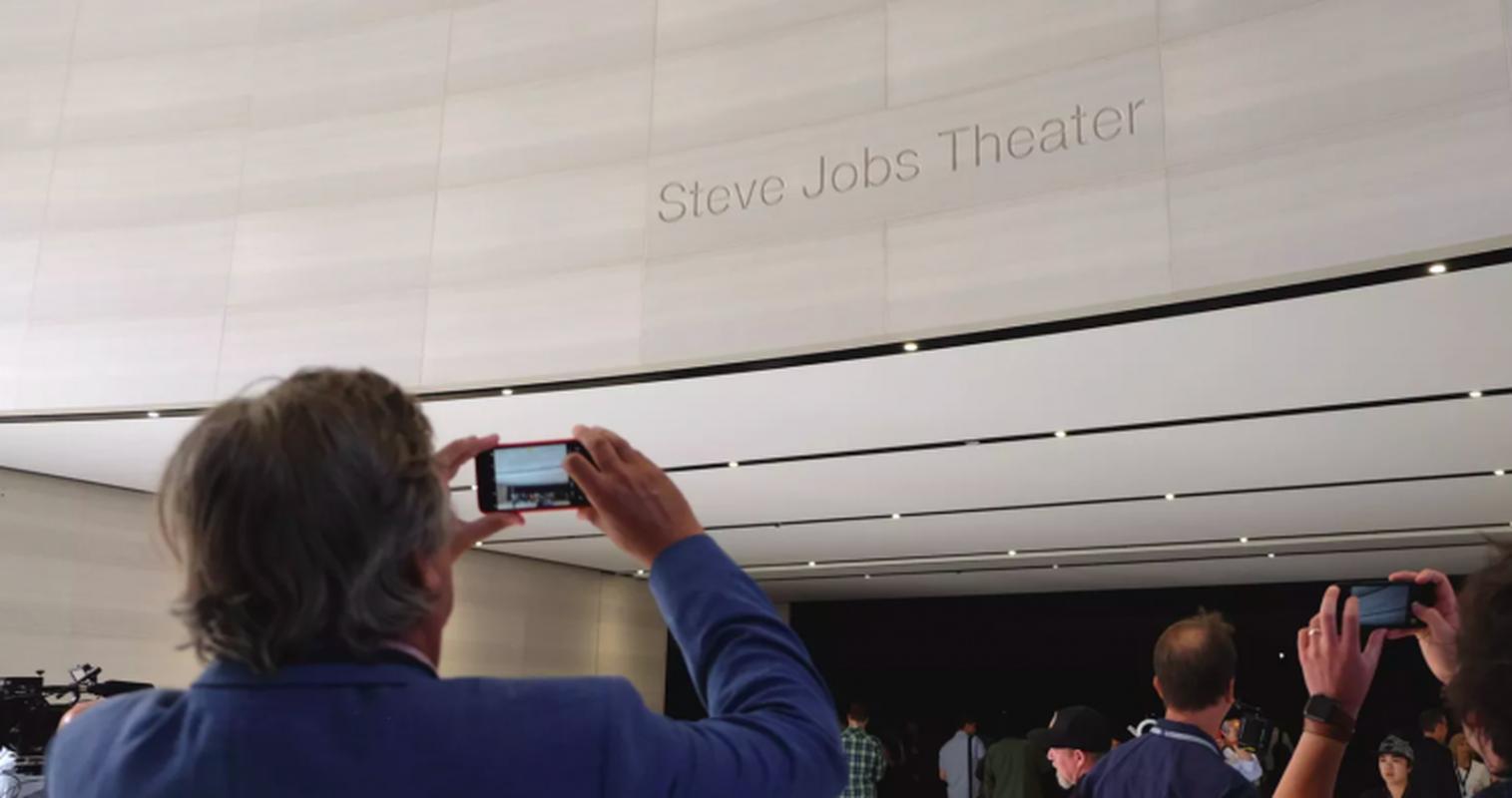 Nhung bi mat day bat ngo ben trong khan phong Steve Jobs Theater-Hinh-7
