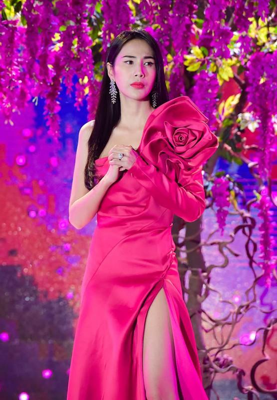 Tran Thanh 2 nam lam chong Hari Won van gia gai nhu that-Hinh-9