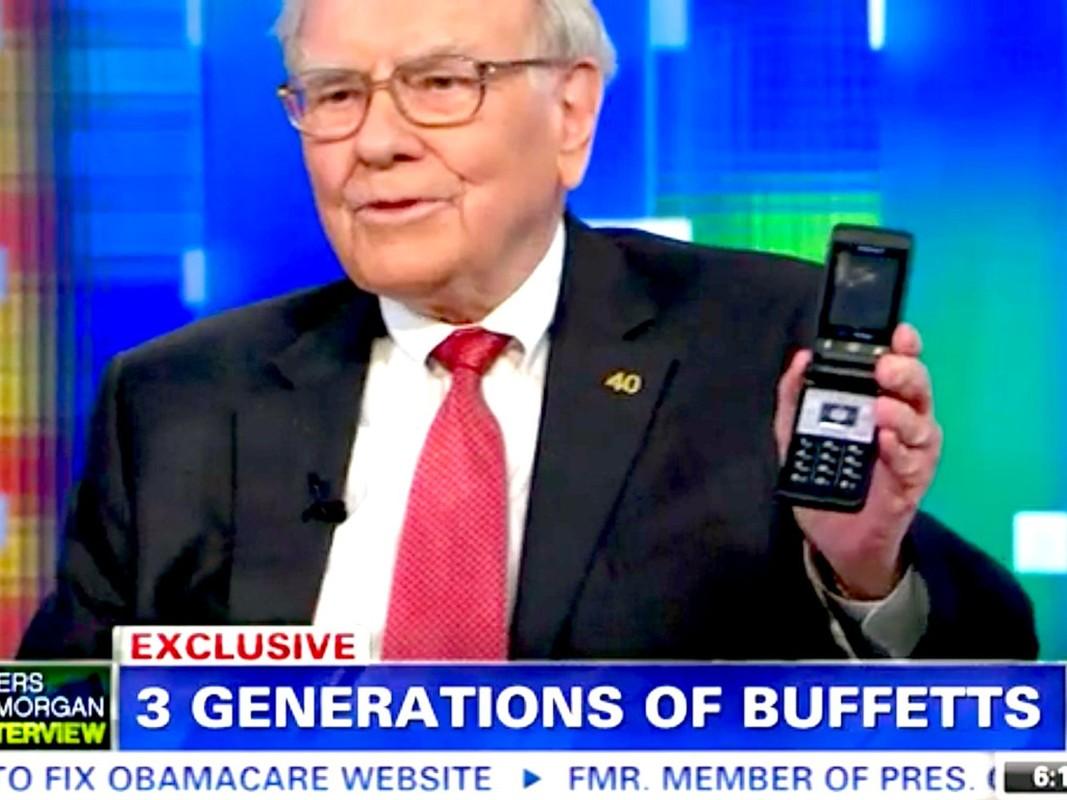 Giau thu ba the gioi, ty phu Warren Buffett tieu tien the nao?-Hinh-5