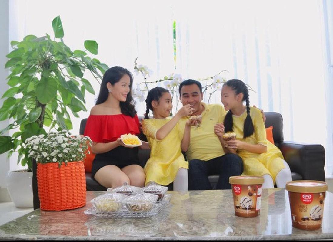 Chiem nguong biet thu sau tu sua cua MC Quyen Linh va vo dai gia