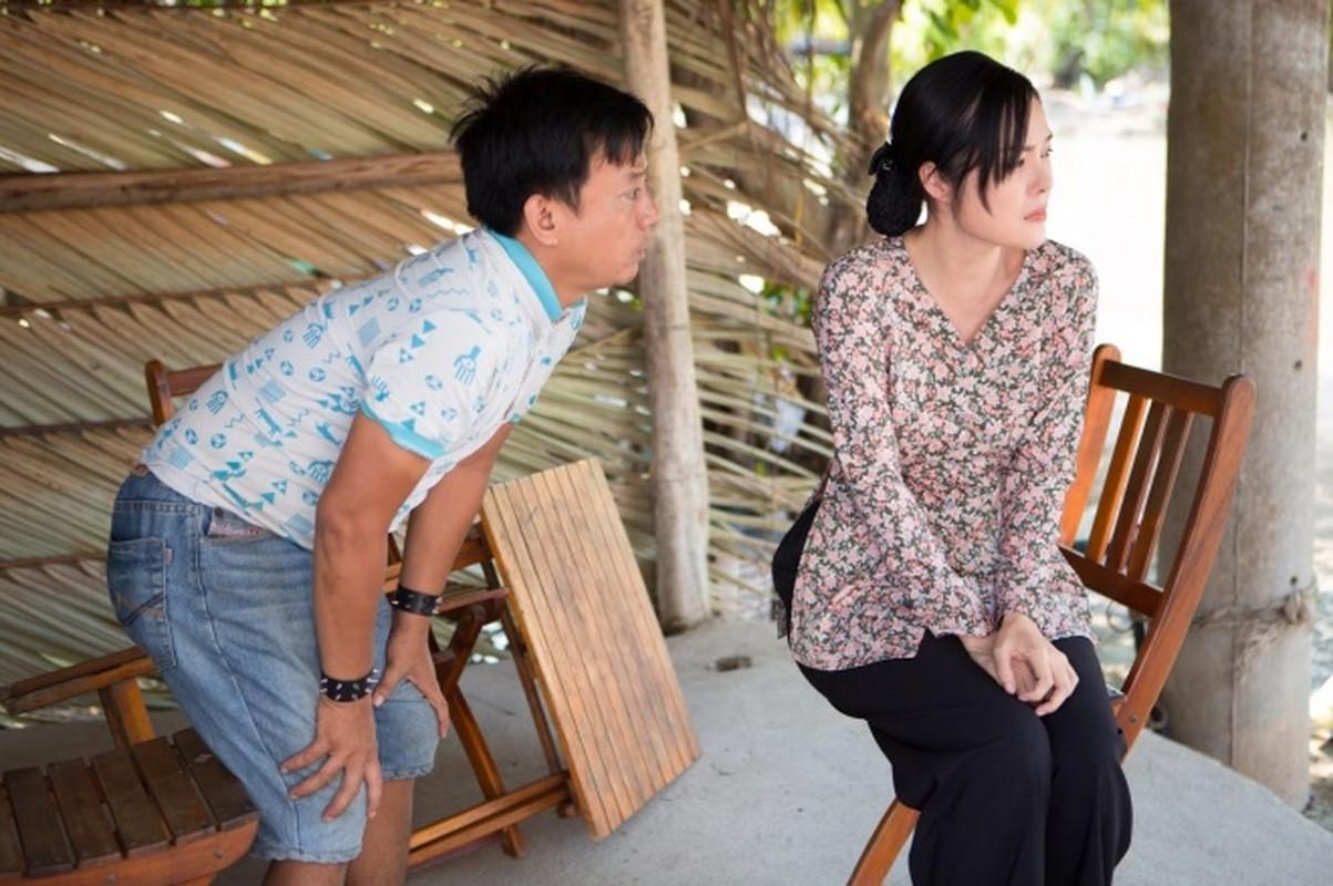 Duong Cam Lynh may 10 bo ao ba ba di ban nuoc mia, trai cay-Hinh-2