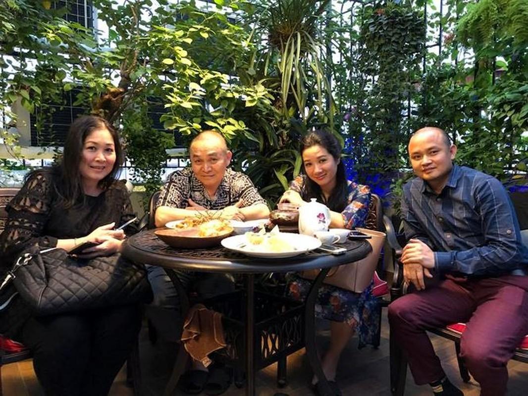 Can canh can nha gia 'khung' cua Xuan Hinh o pho co Hang Bong