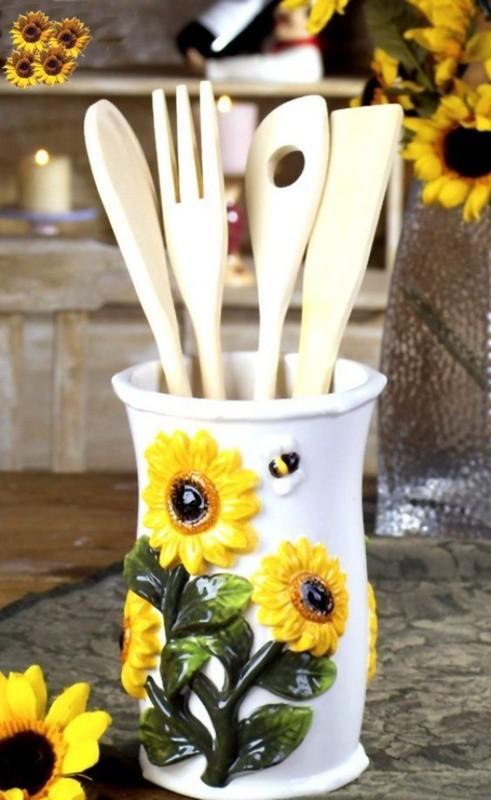 Goc bep dep nhu buoc ra tu trong tranh nho hoa huong duong-Hinh-6