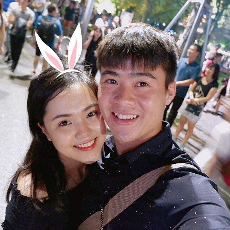 Hanh phuc nhu Van Lam, Duy Manh khi duoc ban gai het long cham soc-Hinh-4