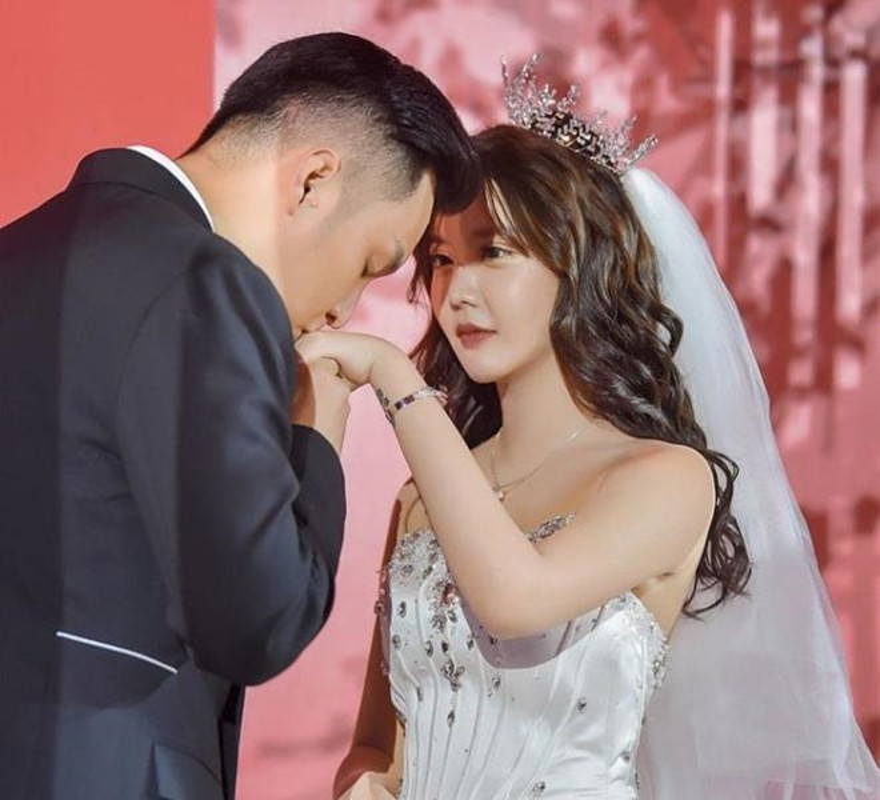 Dan hot girl TQ lo nhan sac gay that vong khi tham du dam cuoi-Hinh-2