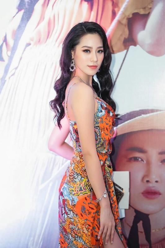 Ban gai Trong Dai U23 va dan hot girl tung du thi hoa hau-Hinh-2