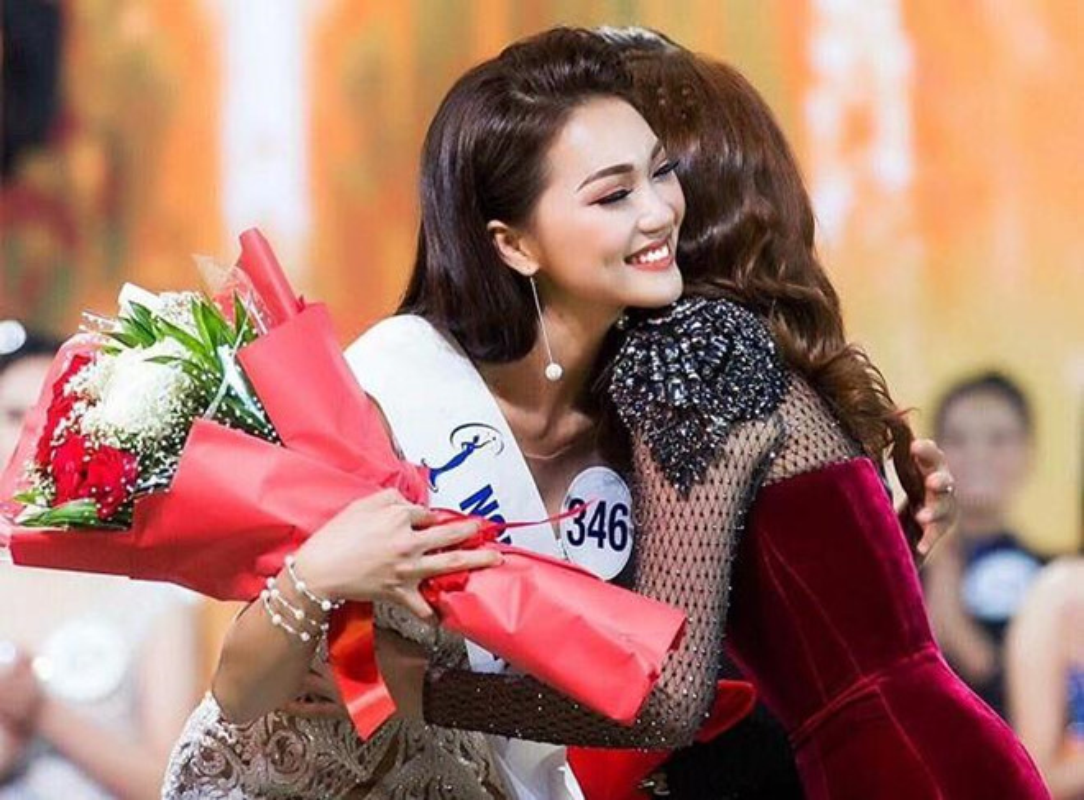 Ban gai Trong Dai U23 va dan hot girl tung du thi hoa hau-Hinh-5