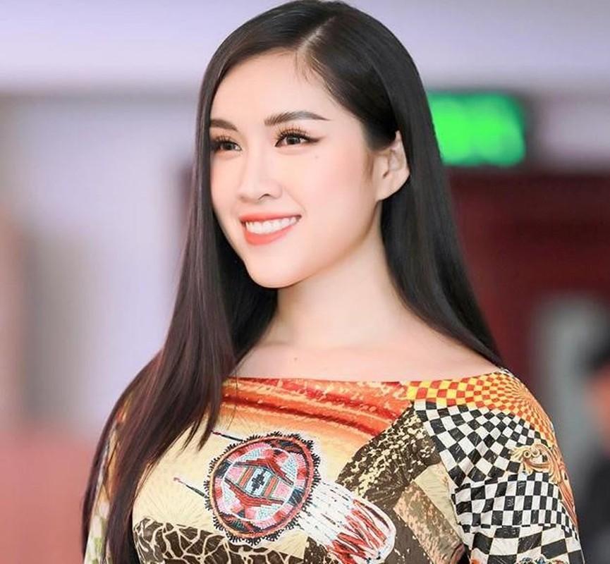 Ban gai Trong Dai U23 va dan hot girl tung du thi hoa hau-Hinh-7