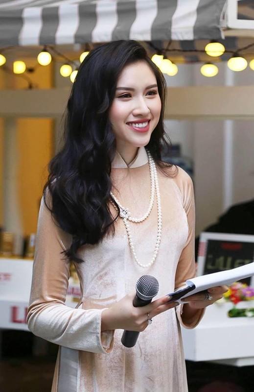 Ban gai Trong Dai U23 va dan hot girl tung du thi hoa hau-Hinh-8