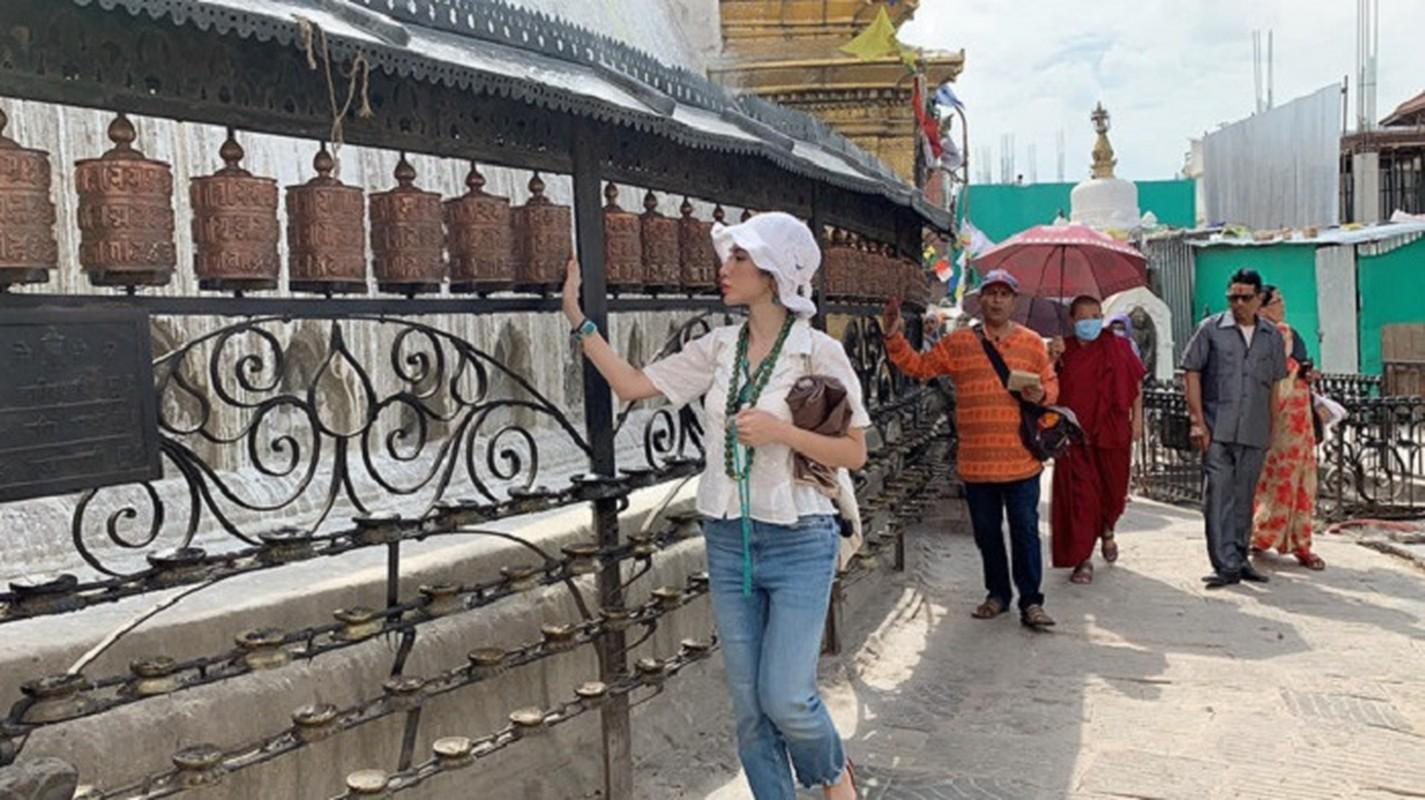 Cuoc song hien tai cua Angela Phuong Trinh khi roi xa showbiz ra sao?-Hinh-3