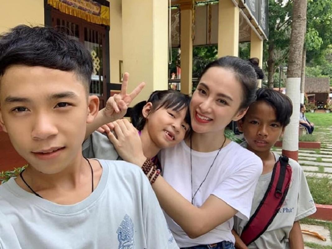 Cuoc song hien tai cua Angela Phuong Trinh khi roi xa showbiz ra sao?-Hinh-5