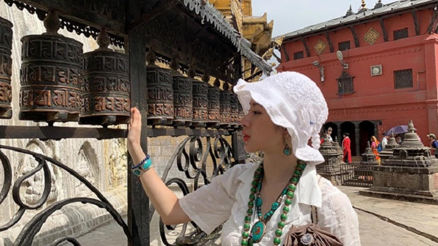 Cuoc song hien tai cua Angela Phuong Trinh khi roi xa showbiz ra sao?