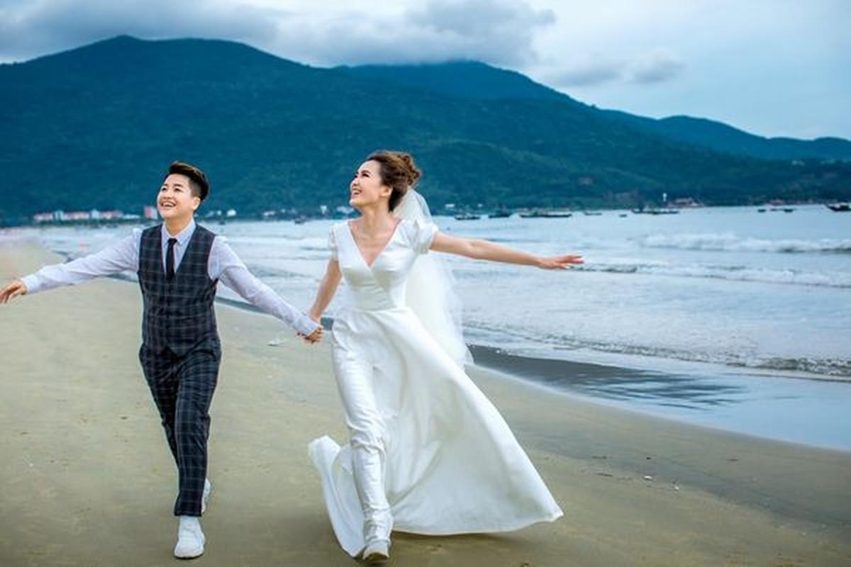 Cap doi LGBT noi tieng YunBin - Tu Tri tung anh cuoi lung linh-Hinh-4