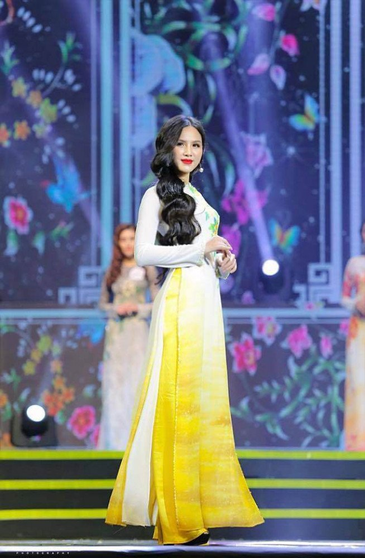 "Hot girl ""Nong cung World Cup 2018"" ke lai qua trinh dau don vi dao keo-Hinh-6"