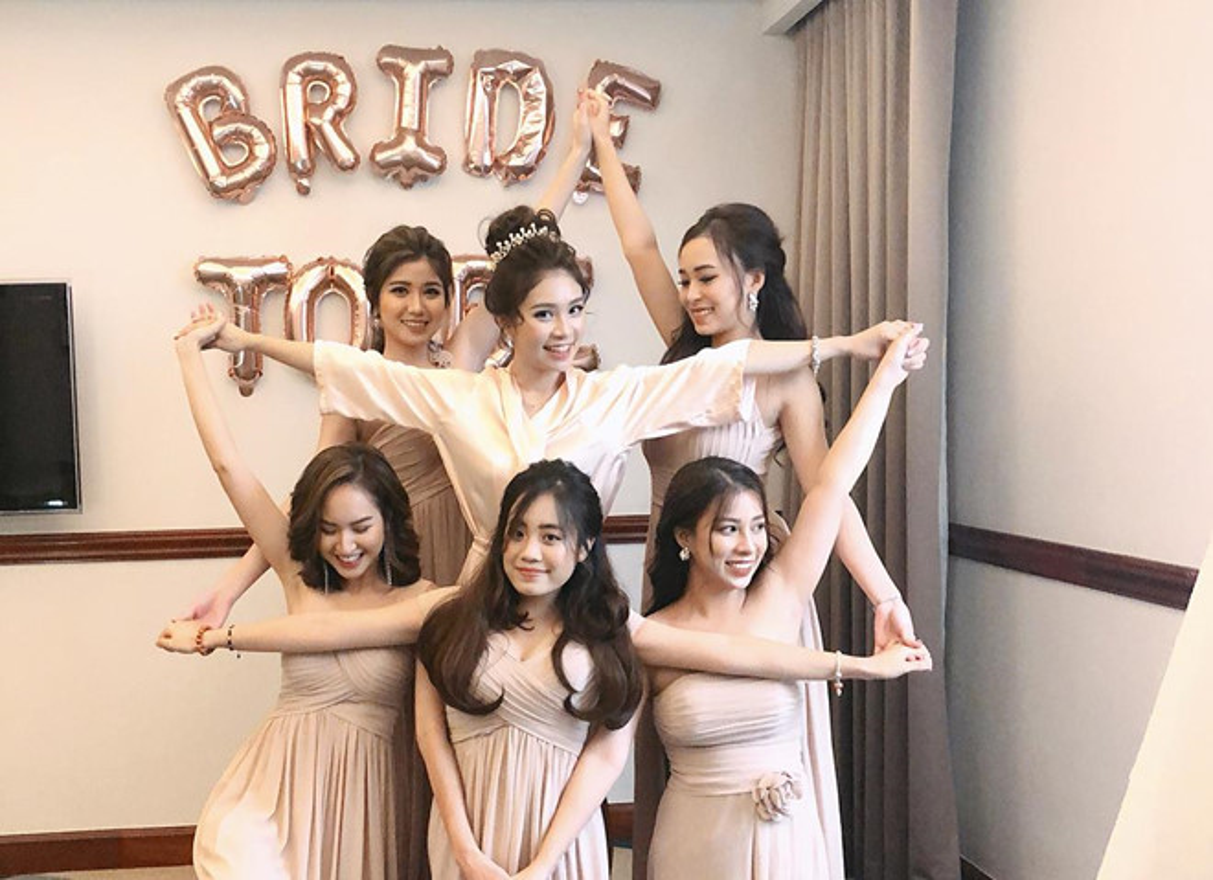 Ba nhom ban than chung minh: Con gai xinh, gioi thuong choi voi nhau-Hinh-6