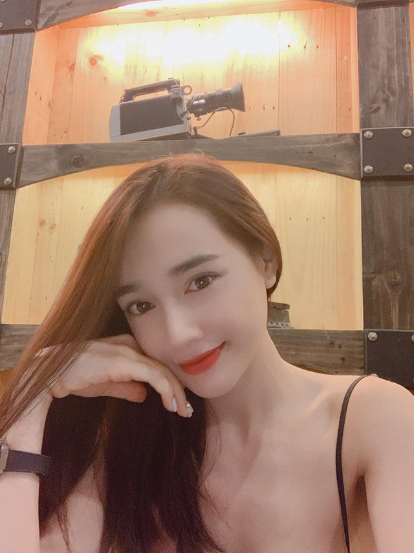 Hau tin don sinh con gai, Nha Phuong tre dep den nao long-Hinh-4