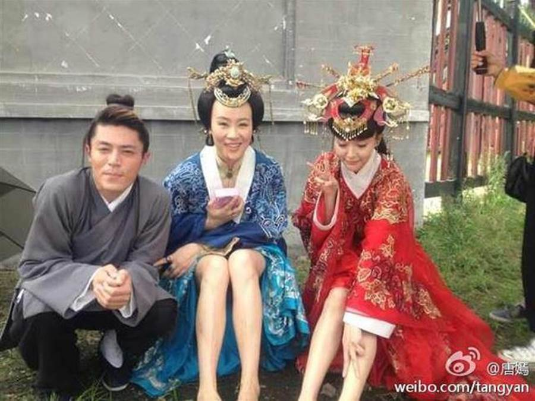 1001 kieu chong nang nong ba dao cua sao Hoa ngu tren phim truong-Hinh-3