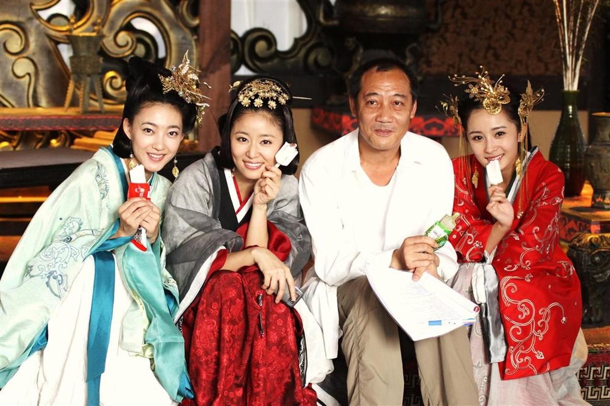1001 kieu chong nang nong ba dao cua sao Hoa ngu tren phim truong-Hinh-8