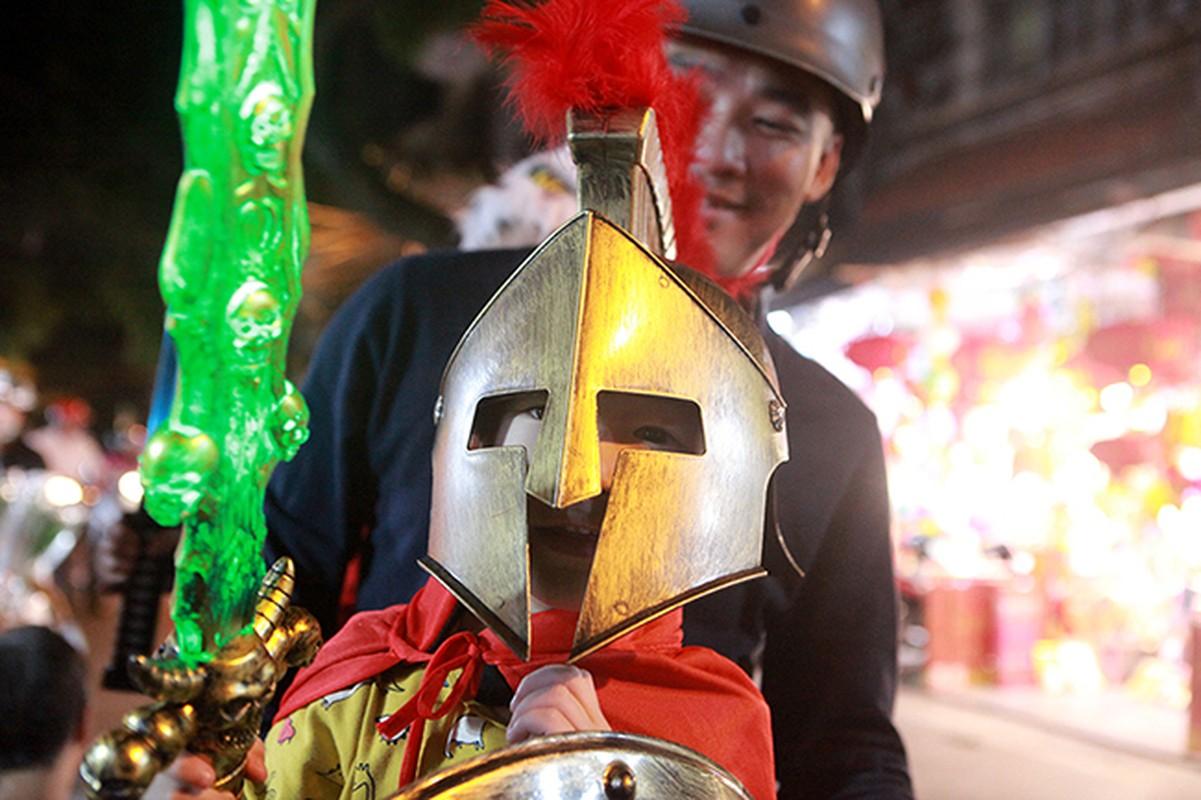 """Ron nguoi pho """"am phu"""" mua Halloween giua long Ha Noi-Hinh-10"""