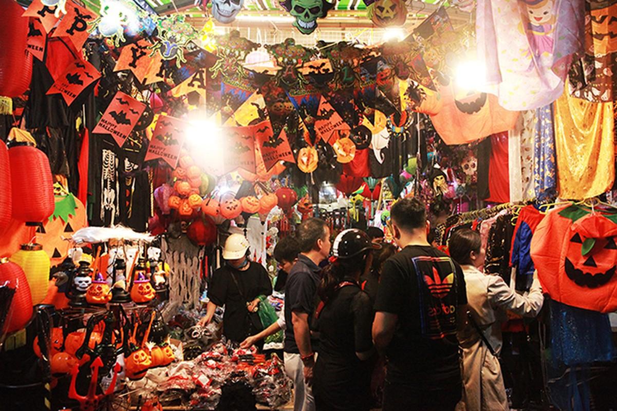 """Ron nguoi pho """"am phu"""" mua Halloween giua long Ha Noi-Hinh-3"""