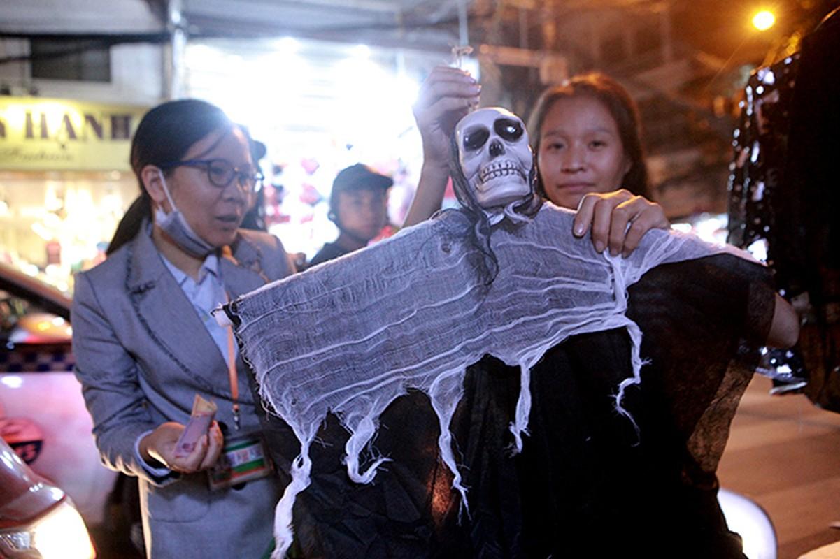 """Ron nguoi pho """"am phu"""" mua Halloween giua long Ha Noi-Hinh-5"""