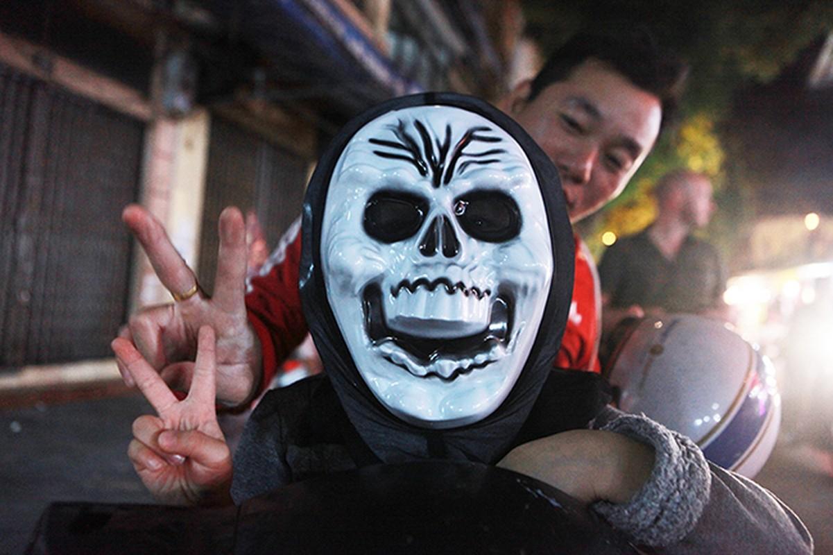 """Ron nguoi pho """"am phu"""" mua Halloween giua long Ha Noi-Hinh-9"""