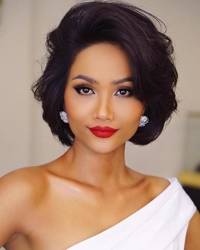 6 'co may in tien' khung nhat showbiz Viet nam 2019: Hoai Linh chi dung thu 2-Hinh-10