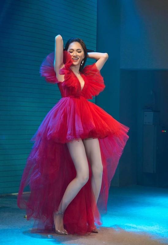 6 'co may in tien' khung nhat showbiz Viet nam 2019: Hoai Linh chi dung thu 2-Hinh-12