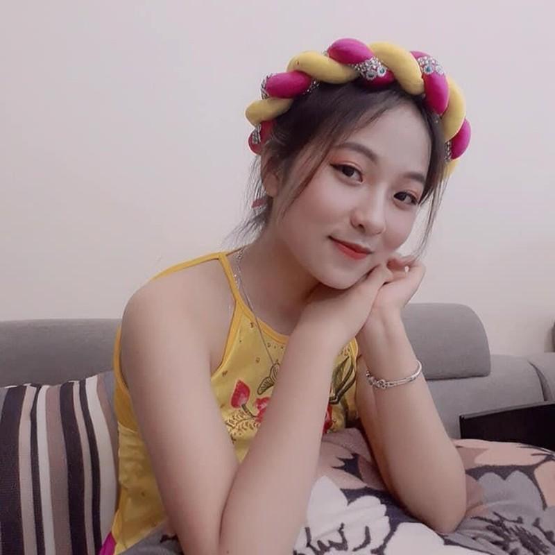 Hot girl khai giang va cac nu sinh THPT noi tieng trong nam 2019-Hinh-2