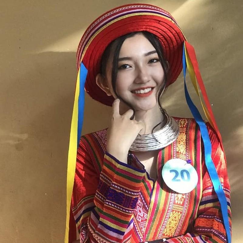 Hot girl khai giang va cac nu sinh THPT noi tieng trong nam 2019-Hinh-4