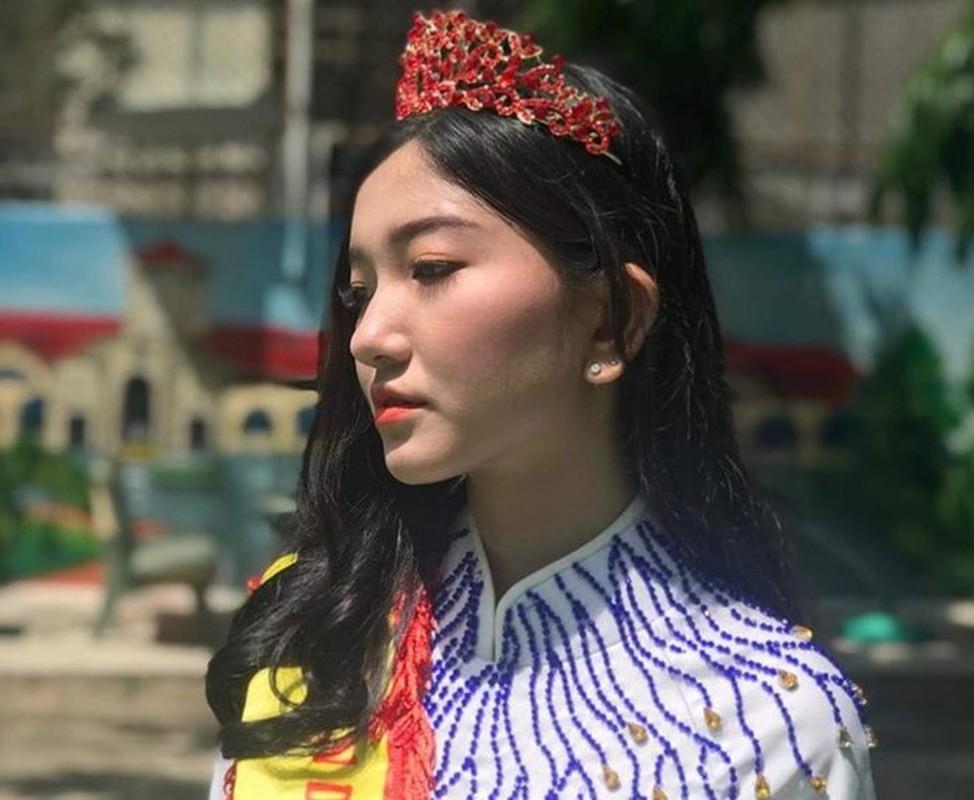 Hot girl khai giang va cac nu sinh THPT noi tieng trong nam 2019-Hinh-5