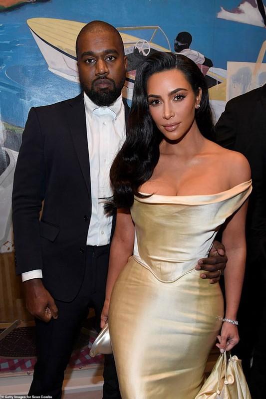 Ngam ngoi biet thu toi gian nhung doc dao, dat gia cua Kim Kardashian