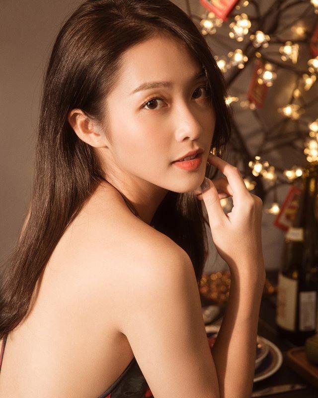Kha Ngan khoe anh ban nude goi cam o tuoi 22-Hinh-6