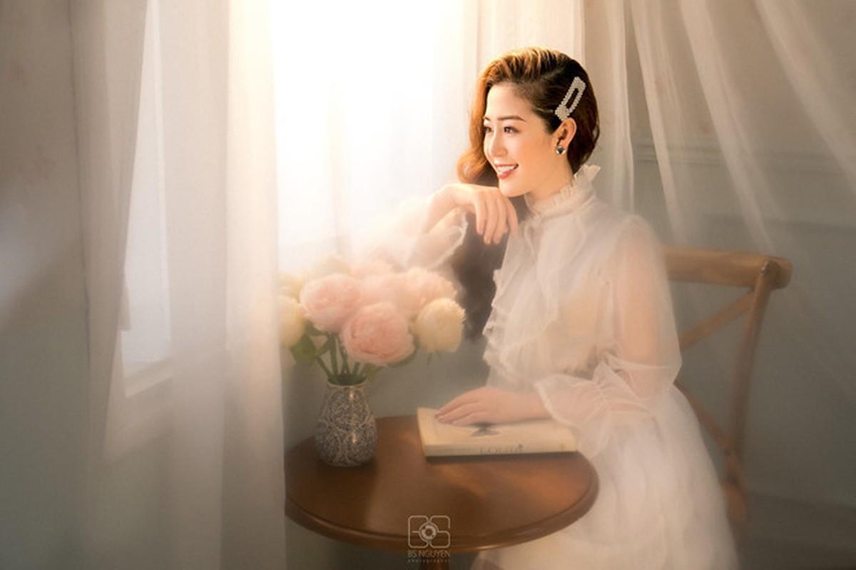 Nu MC truyen hinh o Quang Ninh duoc menh danh 'hot girl thoi tiet'-Hinh-6