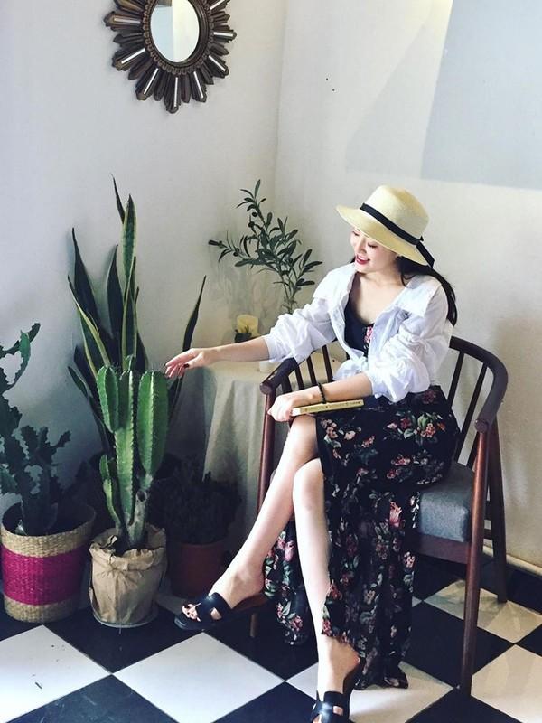 Nu MC truyen hinh o Quang Ninh duoc menh danh 'hot girl thoi tiet'-Hinh-8
