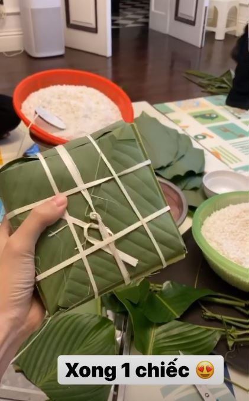 A hau Thanh Tu va chong tat bat goi banh chung don Tet-Hinh-3